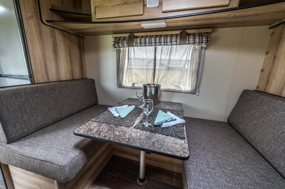 Quantum Leisure Grand Infinty Luxury Caravan 3 Sleeper