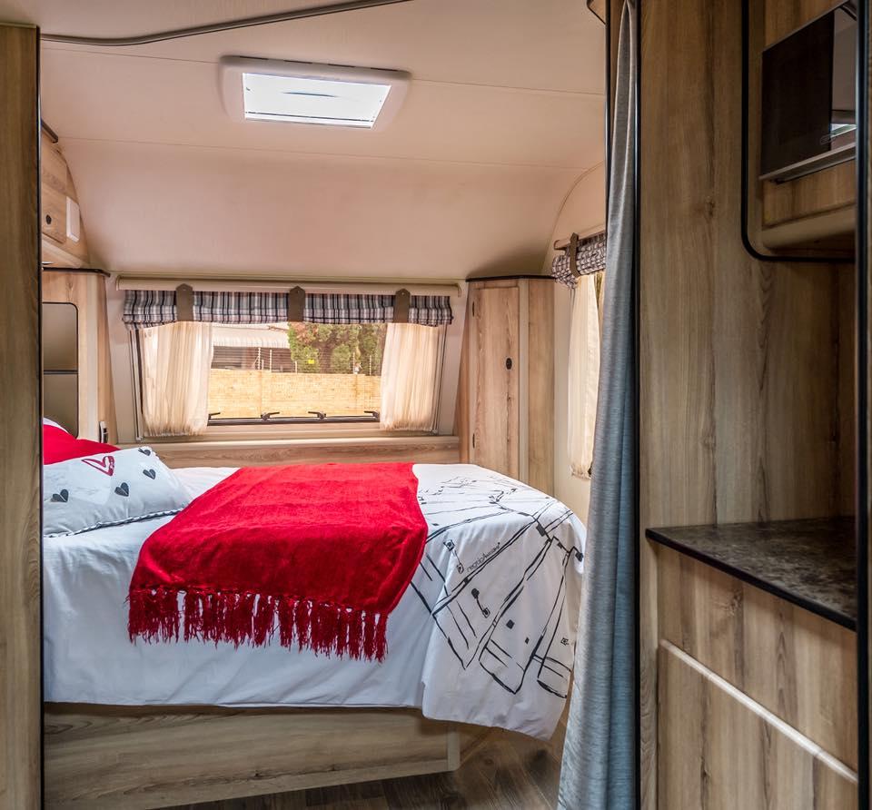 Quantum Leisure Infinty Luxury Caravan 4 Sleeper